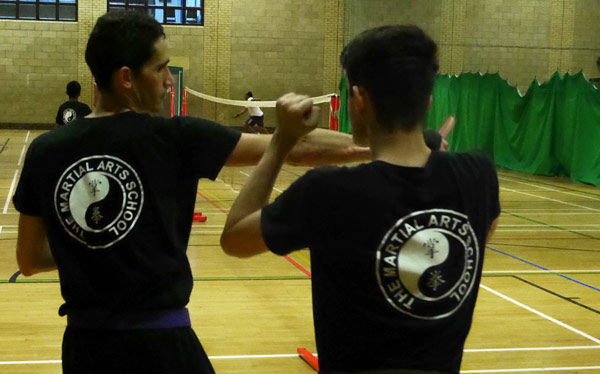 Self Defence - Knife Defence Back Slash